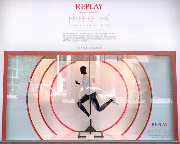 Replay Running mannequin